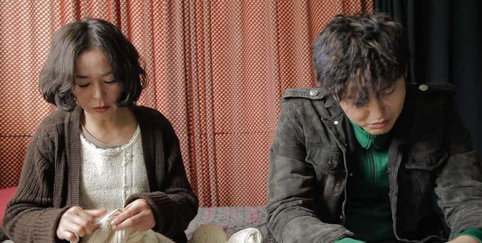 Lee Jung-jin and Cho Min-soo in Pieta